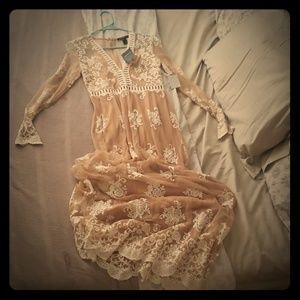 Woven lace dress NEW!